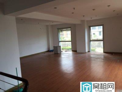 宁波新天地175平复式精装带家具