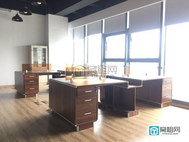 宁波金融硅谷主楼全新精装218平带家具招租