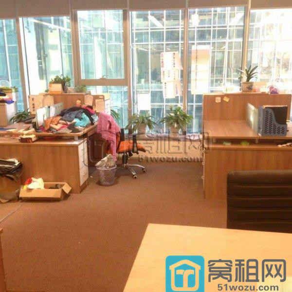 天童北路荣安大厦80平米办公室出租1.5 元/�O/天