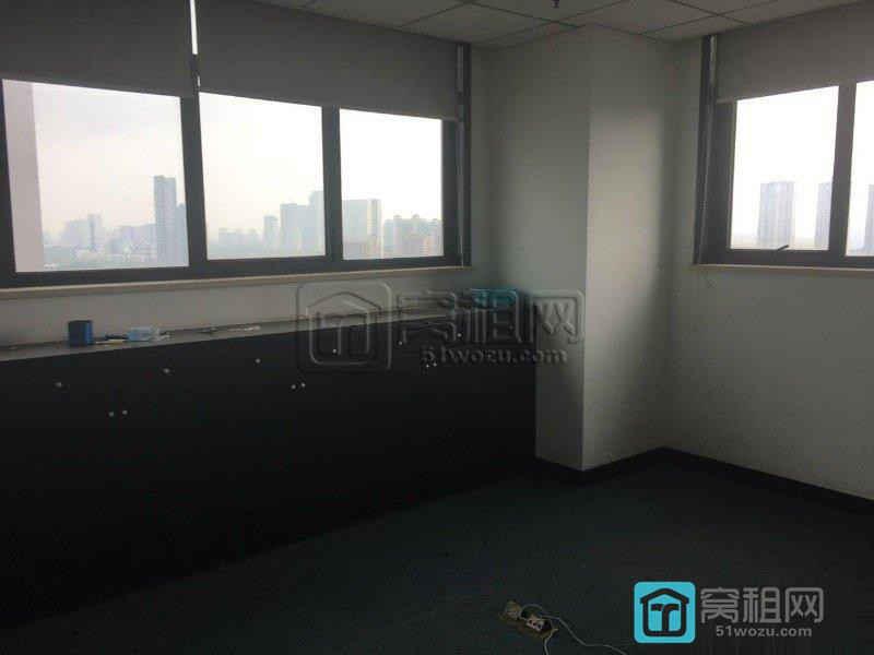 (出租)碧水和城对面银晨国际精装修带家具办公120平米6000 元/月