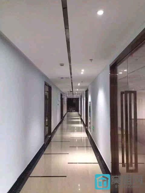 出租兴业银行大厦对面宁波万金大厦110平米办公室3000 元/月
