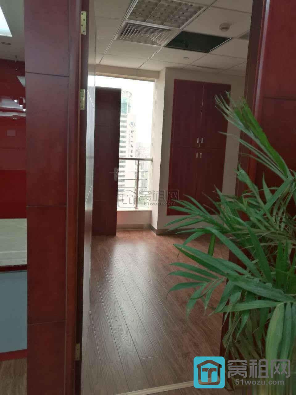 宁波甲级写字楼波特曼大厦370平装修带家具出租