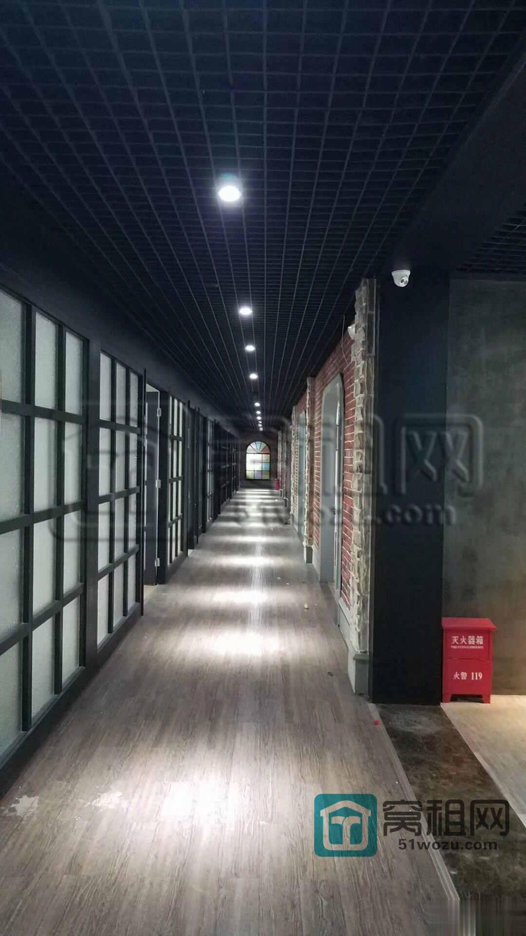 宁波世贸中心对面江厦银座写字楼166平米办公室出租