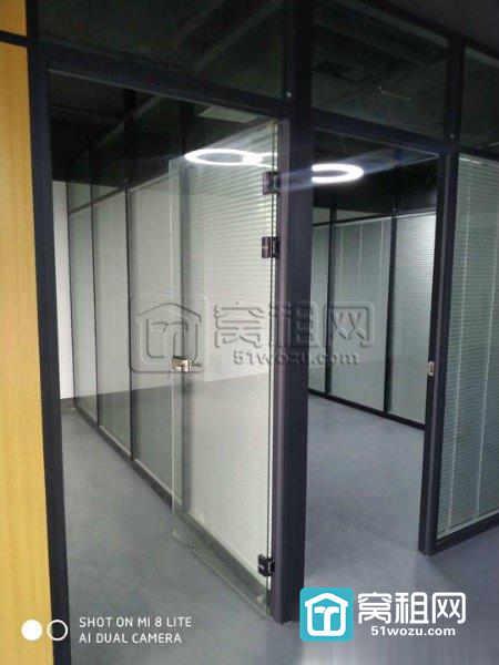 宁波嘉汇国贸写字楼200平精装修带隔间全落地窗