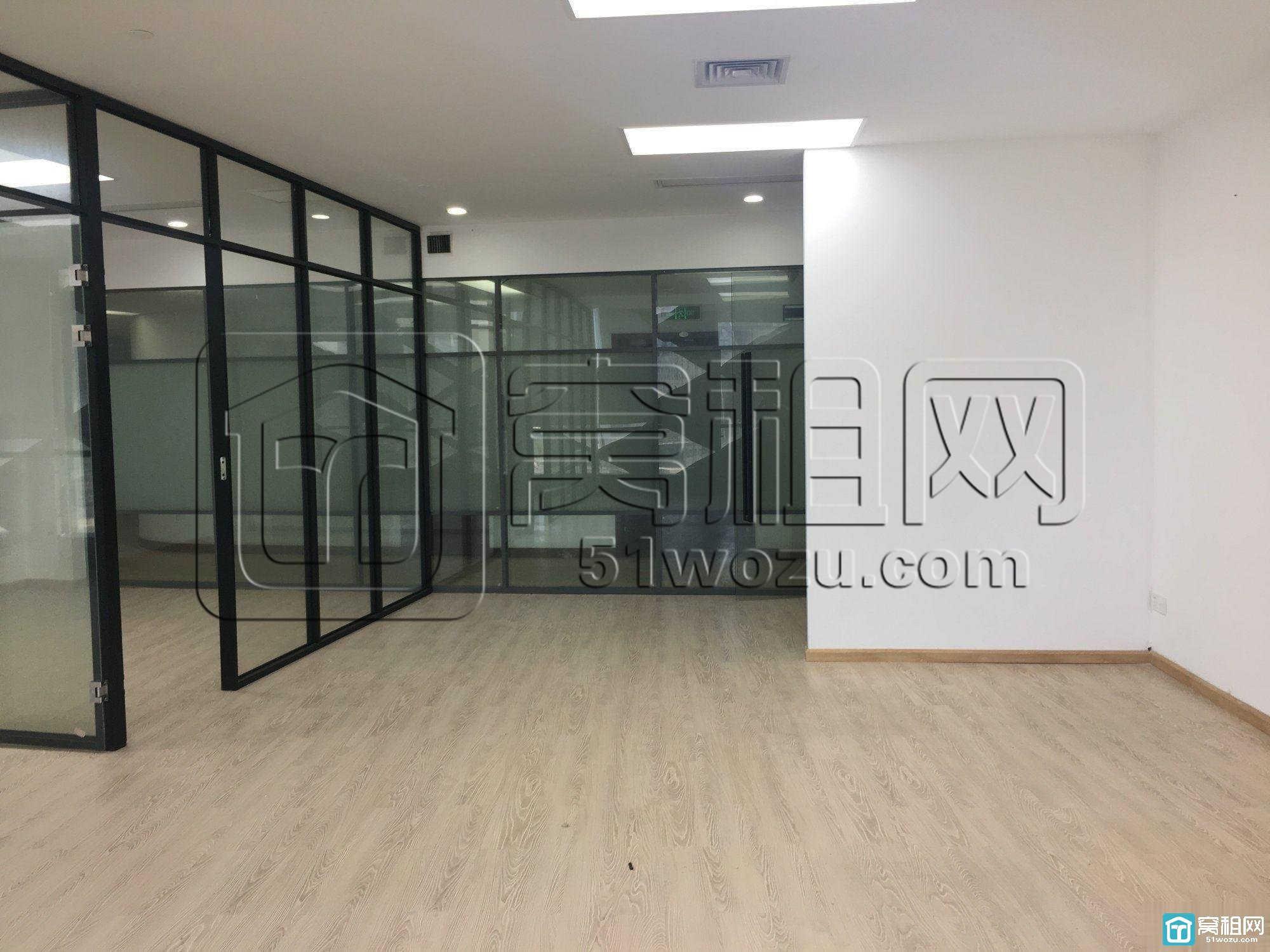 宁波南部商务区南洋航空大厦150平米两个隔间办公室出租