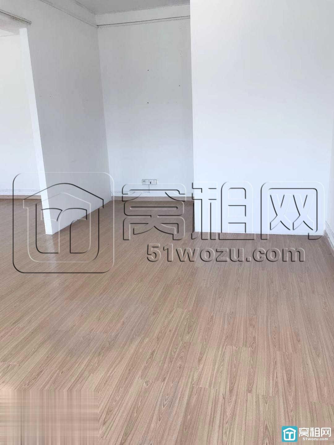宁波长春大厦110平精装带家具朝东南出租