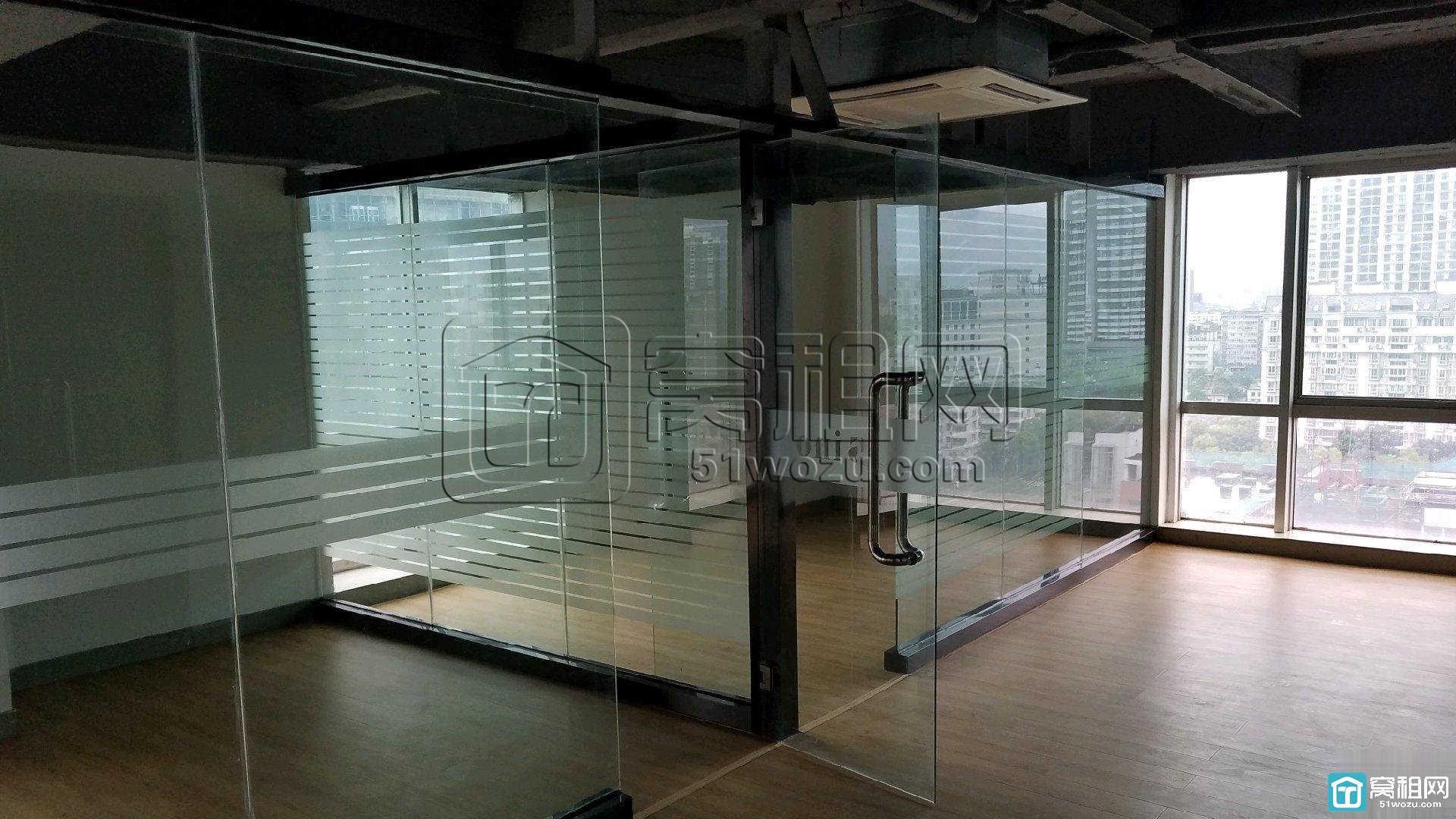 宁波世纪金贸大厦180平米写字楼精装修出租