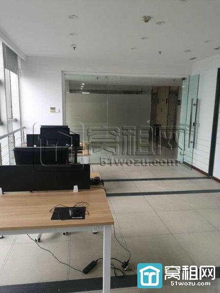 高新区老庙九五国际大厦40平电梯口办公室出租