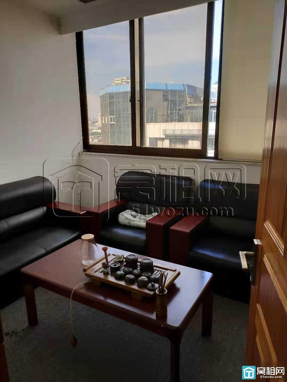 宁波天一广场平安大厦70平米朝西两隔间电梯口出租