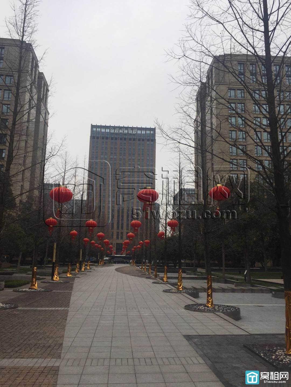 宁波高新区研发园235平 形象墙三隔间精装朝南出租