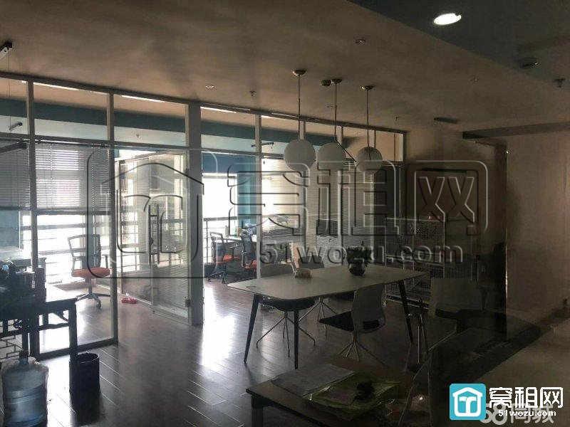 高新区科贸中心温馨装修95平方只要4200每月出租