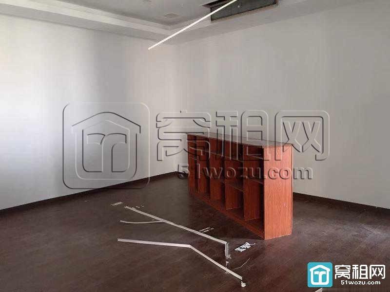 宁波清华科创园308平米办公室朝向好 精装 大前台 电梯口出租