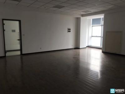 高新区研发园附近三方大厦97平米有隔间办公室出租