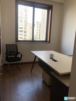 银润豪景120平米商用办公室带阳台出租