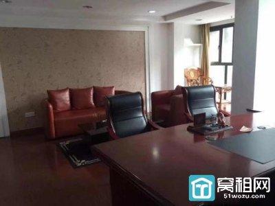 江北日湖国贸240平米办公室出租