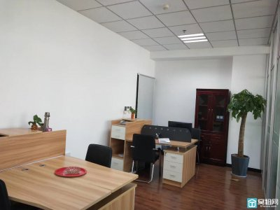 宁波高新区三方大厦327平米电梯口带隔间写字楼出租