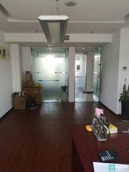 高新区95国际大厦45平米办公室出租2200元/月