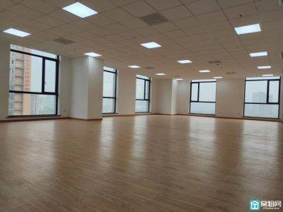 高新区外经合作大厦166平米电梯口办公室出租