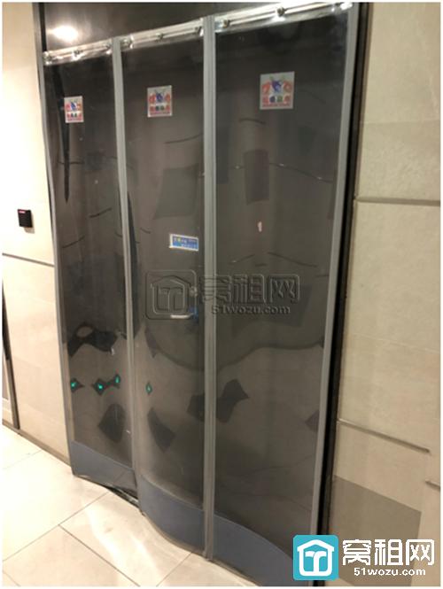 宁波宏泰广场合同期内断电断水逼商户清退?