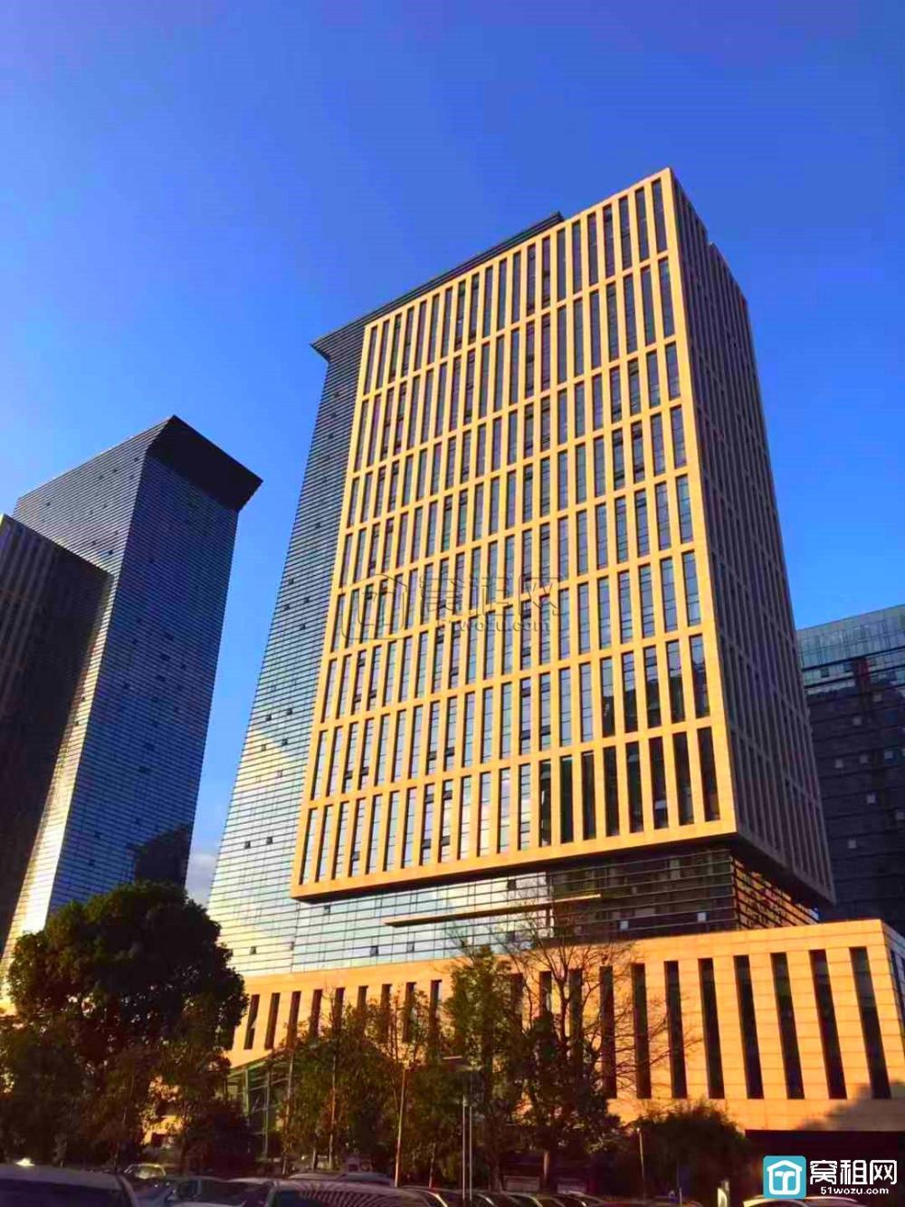 宁波高新区皇冠大厦对面科贸中心写字楼停车费多少收费?