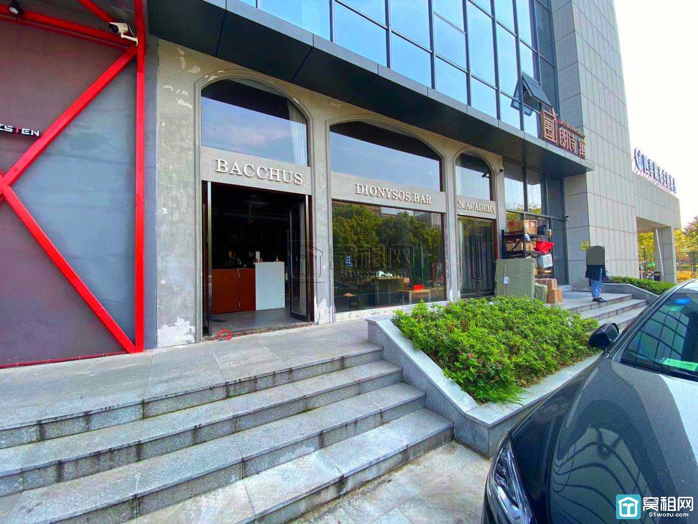 宁波高新区轩宇广场1楼店铺出租