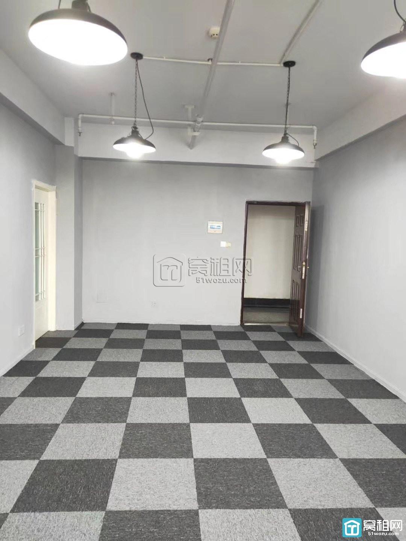 天润商座对面开丰大厦出租办公室45平米