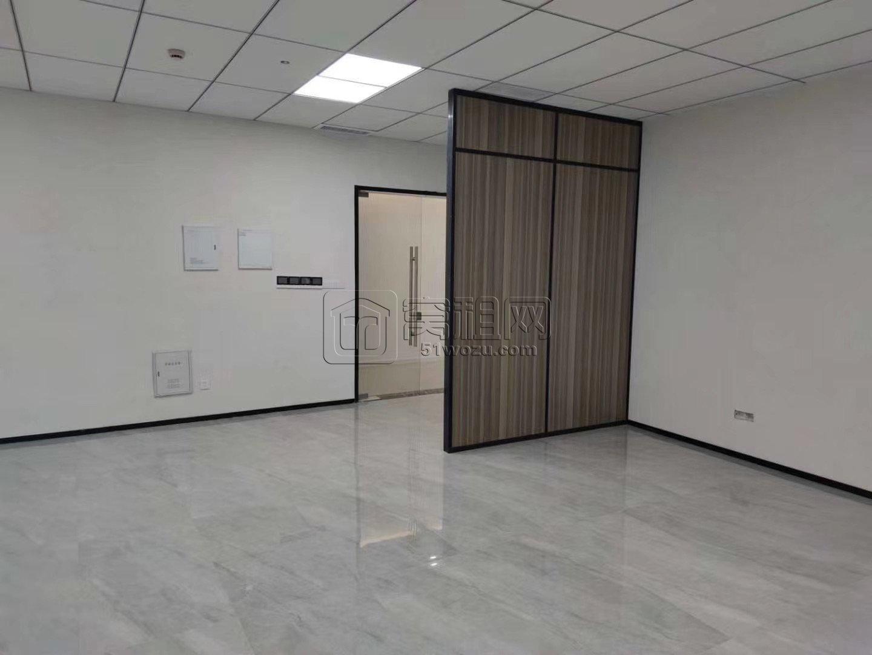 东部新城国贸大厦B座186平精装修出租