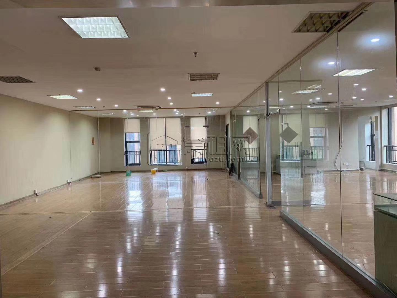 宁波研发园出租豪华装修电梯口