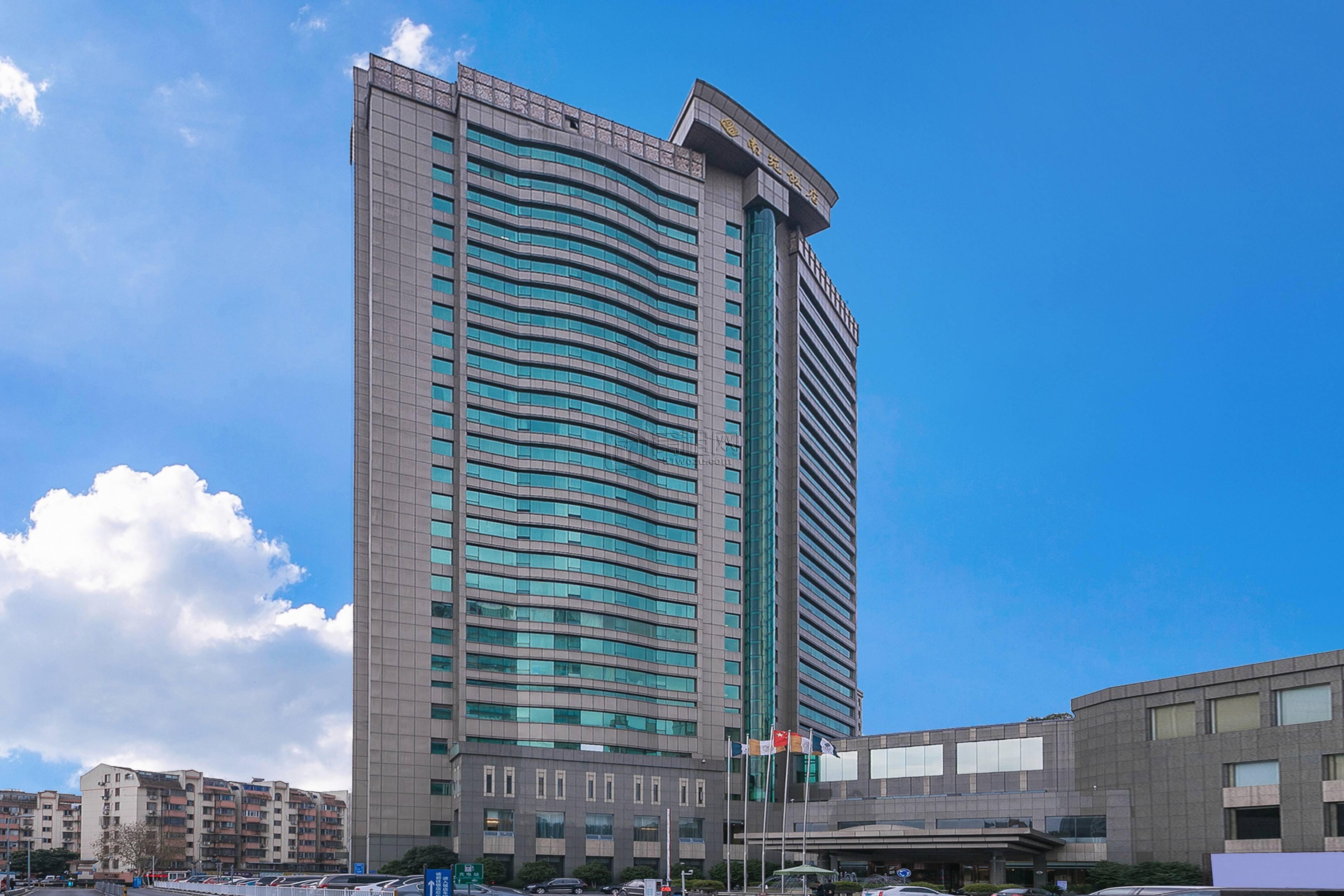宁波南苑饭店商务楼物业费和空调能耗费多少?