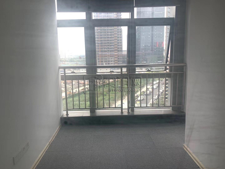 出租南部商务区写字楼75平 精装2隔间 全落地窗