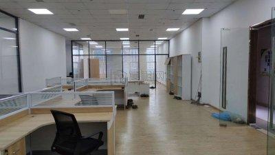 宁波商会A座出租298平电梯口办公室