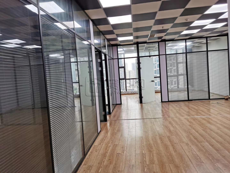 宁波欧洲华商大厦185平米朝南带4个隔间办公室出租