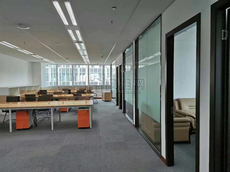 东部新城国际金融中心362平精装5隔间出租