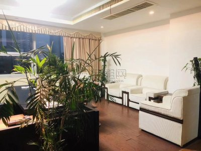 转租:南苑环球酒店 360平(实用面积)豪华装修 带全部家具 36万