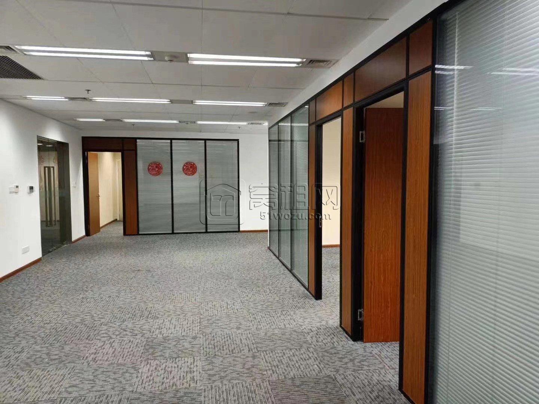东部新城国金中心 F.楼 286平方米出租