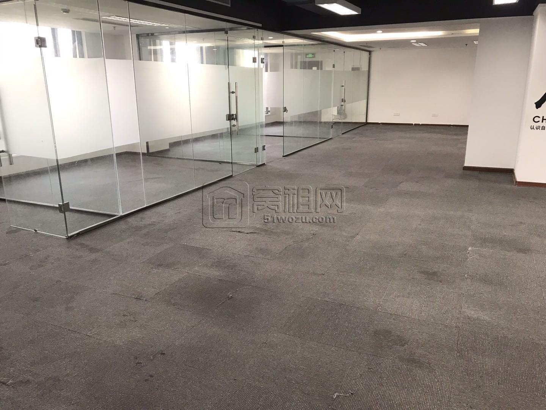 宁波东部新城金融硅谷半层317.8平米出租可配家具
