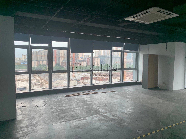南部商务区西面鸿安大厦600平米优惠出租