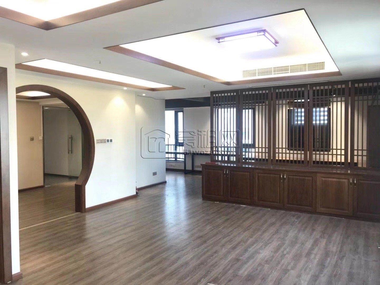 宁波东部新城地铁5号线和1号线海晏北路出口10