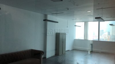 天一广场宁波市中心华联写字楼10楼电梯口105平米