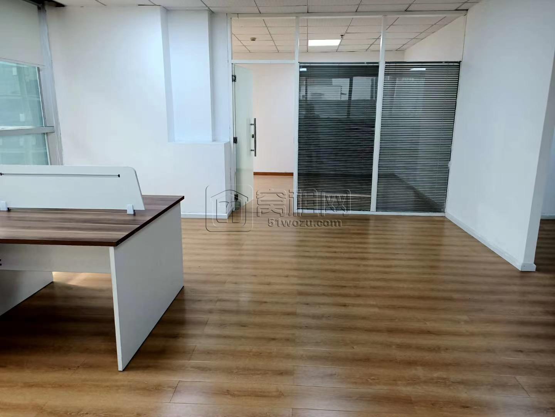 华越国际10F新出租办公室208平方租金8800元/月
