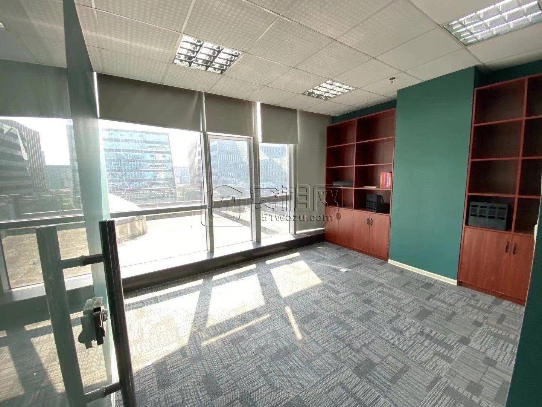 鸿安大厦96平,租金4600每月,精装落地窗