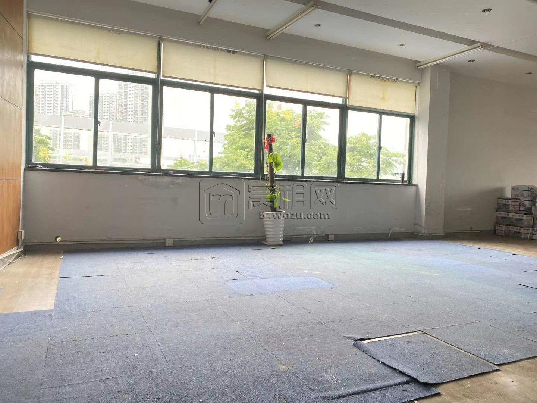 宁波e淘电商园128平电梯口位置出租