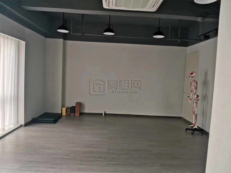 高新区皇冠大厦出租适合做瑜伽8800一个月健身等