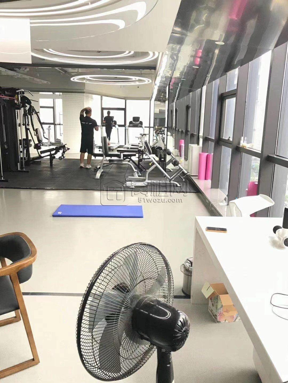 地铁3号线锦寓路A出口隆兴大厦380平健身房转租