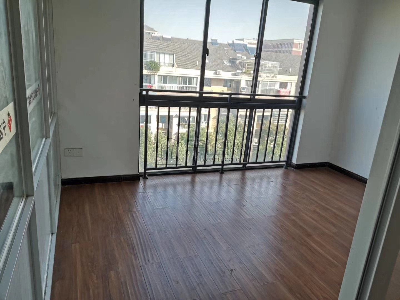 海曙区森祥大厦92平带一隔间办公室出租
