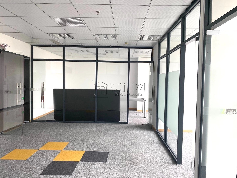 联安文体大厦电梯口162平米出租