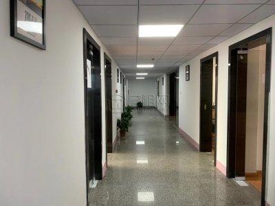 宁波地铁4号线火车站附近银河大厦39平米办公室