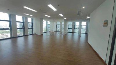 宁波发展大厦隔壁城投大厦224平米全新精装修办