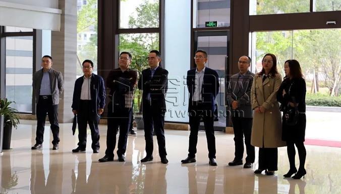 南宁市人民政府领导来园考察保险创新项目