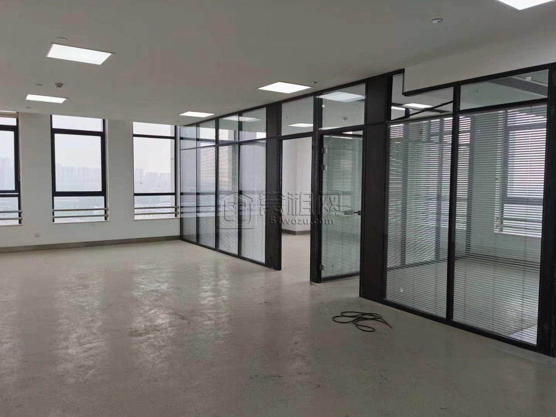 梁祝地铁站高桥商会208平双面采光3个隔间出租